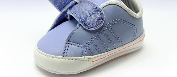 Как легко очистить липучку на обуви от загрязнений