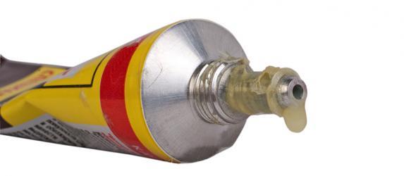 Как и чем приклеить пластик к пластику