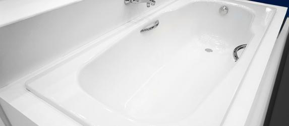 Как выбрать и установить акриловую вставку в ванну