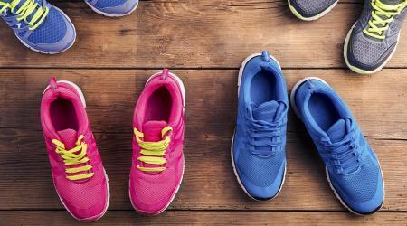 Как постирать кроссовки в стиральной машине: полезные советы и предостережения