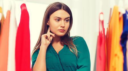 10 способов убрать запах в шкафу с одеждой