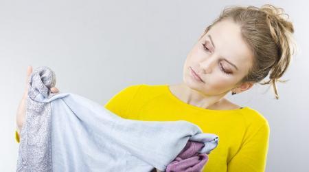 Чем отстирать различные типы корректоров с одежды