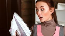 Как самостоятельно очистить подошву утюга