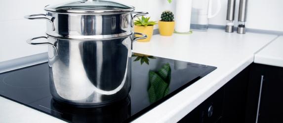 Индукционная плита: плюсы и минусы, принцип работы
