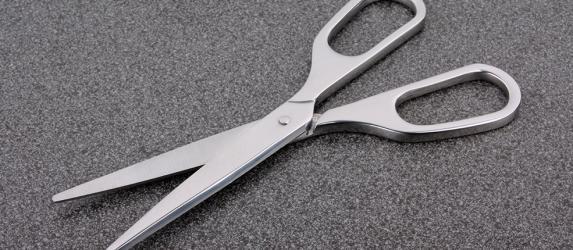 Как можно наточить ножницы в домашних условиях