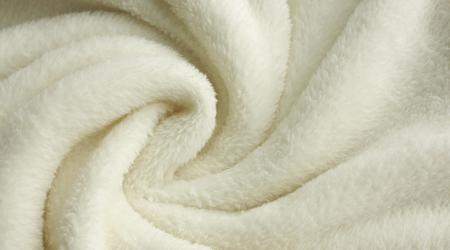 Одеяло из овечьей шерсти: характеристики, разновидности, правила выбора