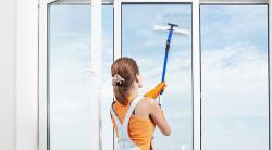 Как мыть окна: советы по выбору способа и средства