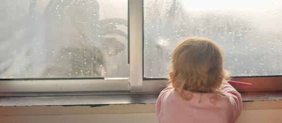 Почему потеют пластиковые окна в доме: причины и их устранение