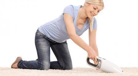 Как выбрать ручной пылесос для дома